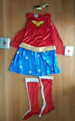 Rubie's Deluxe Wonder Woman Costume - Youth Large. DC Comics